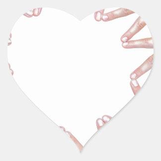 Pegatina En Forma De Corazón Brazos de las manos de los niños que hacen la