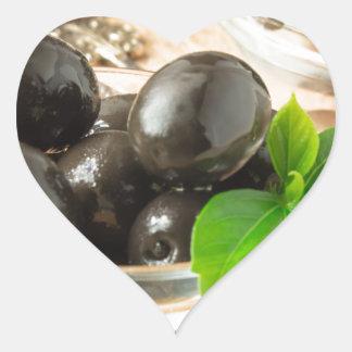 Pegatina En Forma De Corazón Brown conservó en vinagre aceitunas en el viejo