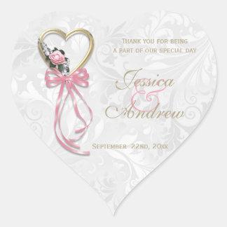 Pegatina En Forma De Corazón Corazón color de rosa, del oro romántico y cinta