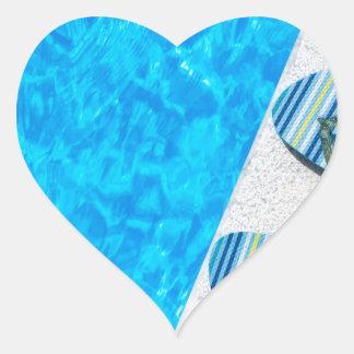 Pegatina En Forma De Corazón Dos deslizadores de baño en el borde de la piscina