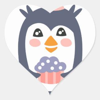 Pegatina En Forma De Corazón El pingüino con el fiesta atribuye enrrollado