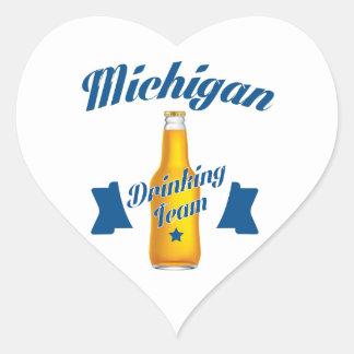 Pegatina En Forma De Corazón Equipo de consumición de Michigan