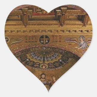 Pegatina En Forma De Corazón iglesia adornada dentro