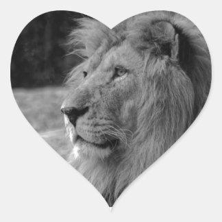 Pegatina En Forma De Corazón León negro y blanco - animal salvaje