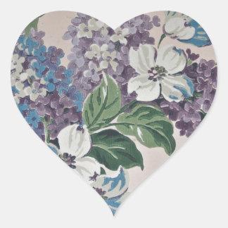 Pegatina En Forma De Corazón Lilas en el papel pintado del vintage