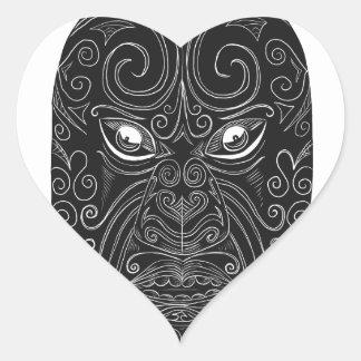 Pegatina En Forma De Corazón Máscara maorí Scratchboard