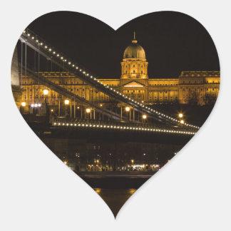 Pegatina En Forma De Corazón Puente de cadena con el castillo Hungría Budapest
