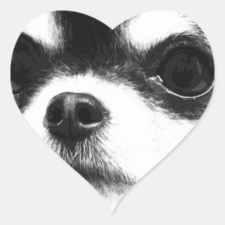 Pegatina En Forma De Corazón Una chihuahua blanco y negro