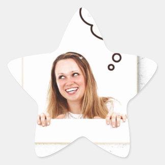 Pegatina En Forma De Estrella Mujer rubia que piensa en el tablero blanco