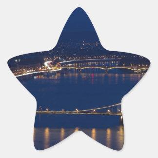 Pegatina En Forma De Estrella Puente de cadena Hungría Budapest en la noche