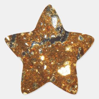 Pegatina En Forma De Estrella Sección fina de un ladrillo debajo del microscopio