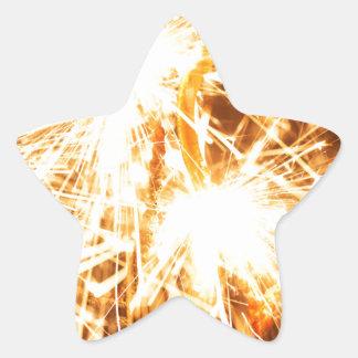 Pegatina En Forma De Estrella Sparkler ardiente en forma de un corazón