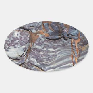 Pegatina Ovalada Capas naturales de ágata en una piedra arenisca