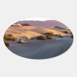 Pegatina Ovalada Dunas de arena planas del Mesquite Death Valley