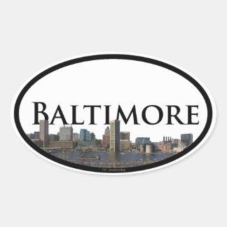 Pegatina Ovalada Horizonte de Baltimore con Baltimore en el cielo