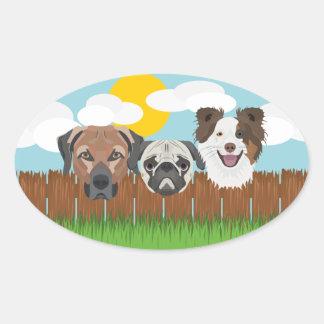 Pegatina Ovalada Perros afortunados del ilustracion en una cerca de
