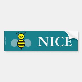Pegatina para el parachoques de la abeja divertida