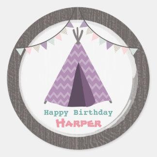 Pegatina púrpura del cumpleaños del tipi
