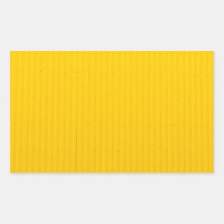 Pegatina Rectangular Chica que camina contra la pared amarilla enorme