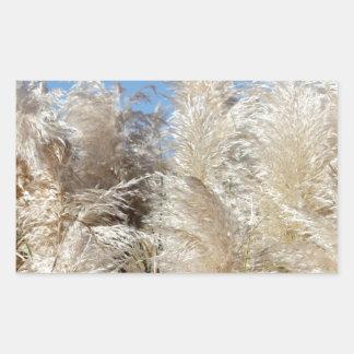 Pegatina Rectangular Hierba de pampa con un cielo azul soleado