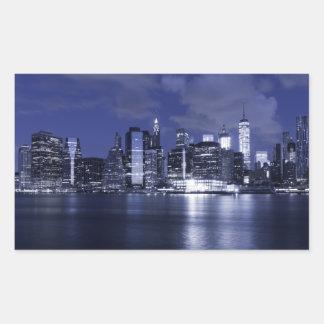 Pegatina Rectangular Horizonte de Nueva York bañado en azul