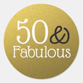 Pegatina Redonda 50 y cumpleaños fabuloso del purpurina del oro