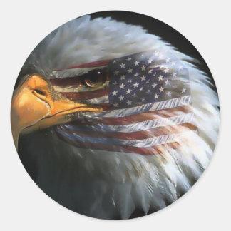 Pegatina Redonda Águila calva americana con los pegatinas de la