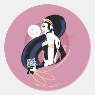 Pegatina Redonda Arte pop del perfil de la Mujer Maravilla de la