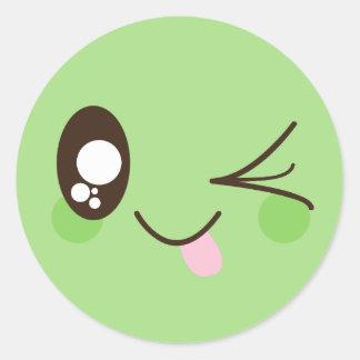 Pegatina Redonda Cara linda del smiley de Kawaii del verde del