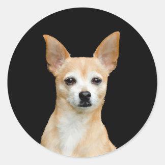 Pegatina Redonda Chihuahua pintada beige en fondo negro