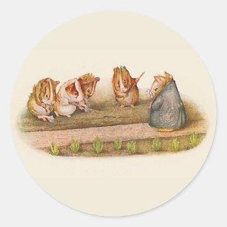 Pegatina Redonda Conejillos de Indias que tienden el jardín