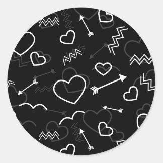 Pegatina Redonda Corazón y flecha blancos y negros del amor de las