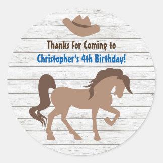Pegatina Redonda Cumpleaños occidental del gorra del caballo y de