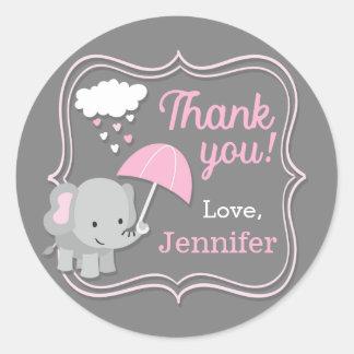 Pegatina Redonda El chica del elefante del bebé le agradece las