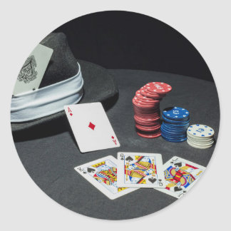 Pegatina Redonda El póker carda el gorra del gángster