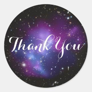 Pegatina Redonda El racimo púrpura de la galaxia le agradece