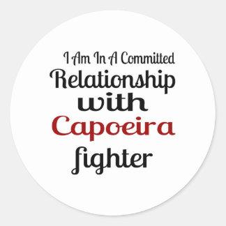 Pegatina Redonda Estoy en una relación confiada con el higo de