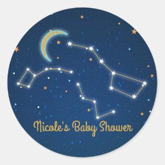 Pegatina Redonda Estrella del cazo grande que mira la constelación