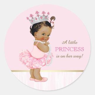 Pegatina Redonda Fiesta de bienvenida al bebé étnica de princesa