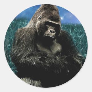 Pegatina Redonda Gorila en el prado