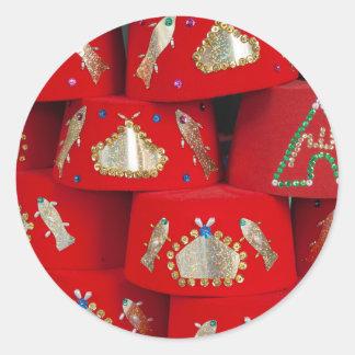 Pegatina Redonda Gorras rojos de Fes en el mercado
