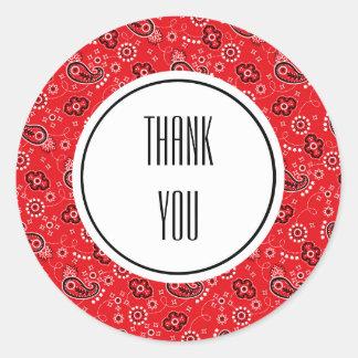 Pegatina Redonda Impresión negra roja del pañuelo de Paisley