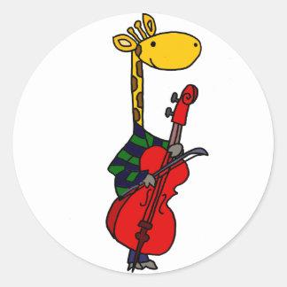 Pegatina Redonda Jirafa divertida que juega arte del violoncelo
