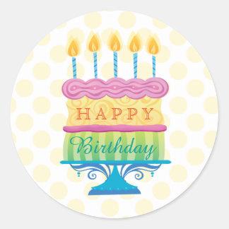 Pegatina Redonda La torta del feliz cumpleaños con amarillo puntea