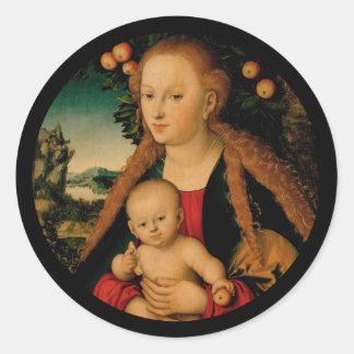 Pegatina Redonda Madonna y niño de Cristo debajo del manzano
