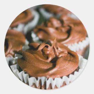Pegatina Redonda Magdalenas heladas chocolate en una foto de la