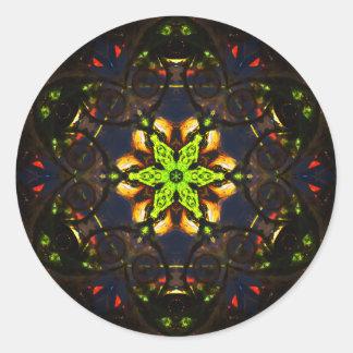 Pegatina Redonda Mandala vibrante de Mosaïc de la oscuridad