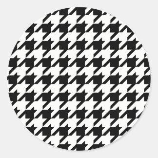 Pegatina Redonda Modelo blanco y negro de Houndstooth