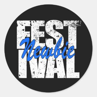 Pegatina Redonda Newbie del festival (blanco)