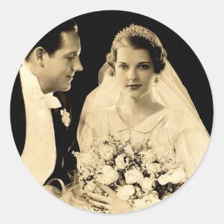 Pegatina Redonda Novia y novio del boda del vintage